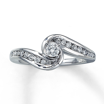 Previously Owned Ring 3/8 ct tw Diamonds 14K White Gold | Tuggl